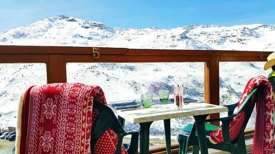 L'OURS BLANC RESTAURANT : Déjeuner en tête à tête avec les Montagnes