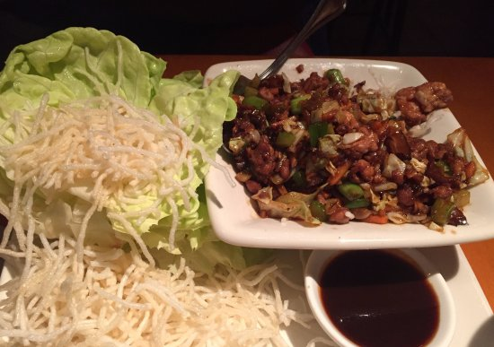 Chicken peanut with lettuce wrap
