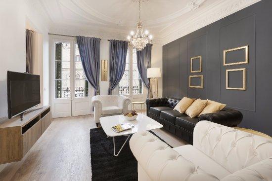 Barcelona Nextdoor Apartments: Royal Valencia apartamento de 4 habitaciones en Eixample calle Valencia 363