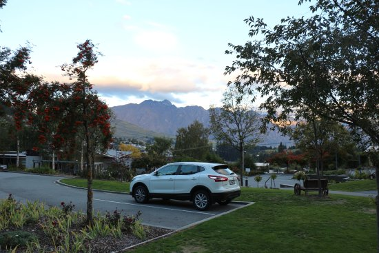Queenstown Lakeview Holiday Park: 可看到卓越山脈