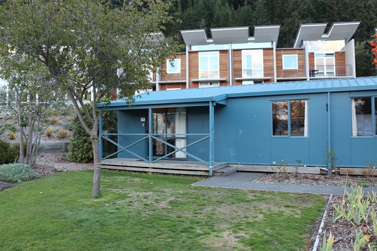 Queenstown Lakeview Holiday Park: 小屋外觀