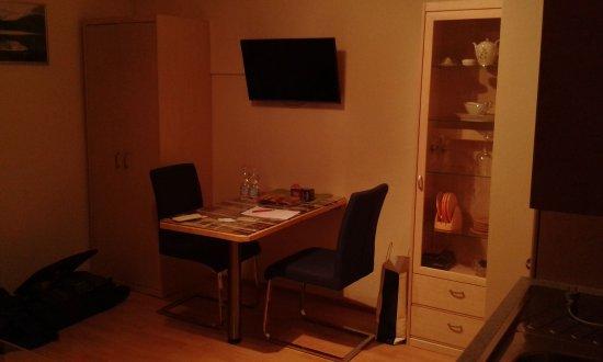 cucina soggiorno - Picture of Pension Haus Eden, Bad Hofgastein ...