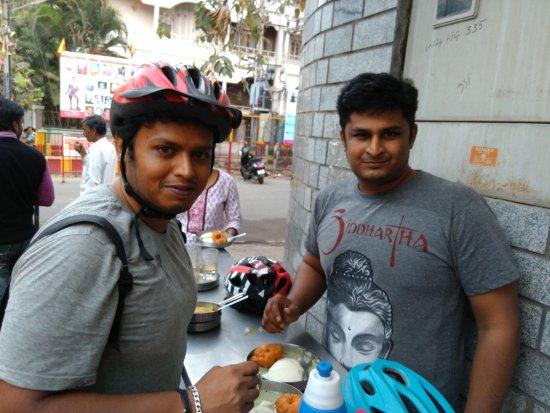 Brahmin's Coffee Bar: Hungry Cyclist