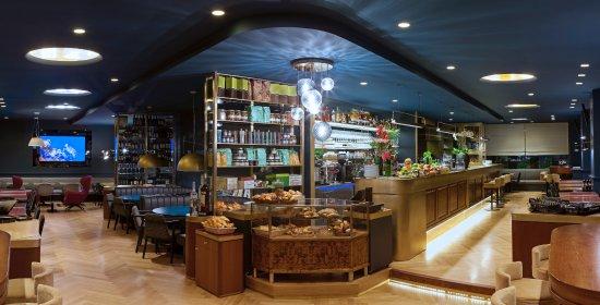 Capocaccia: un bar accueillant, venez déguster nos cocktails durant notre fameux Aperitivo!