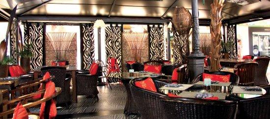 Detalle Comedor Monkey Bar & Grill