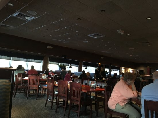 Red Lobster: dining area