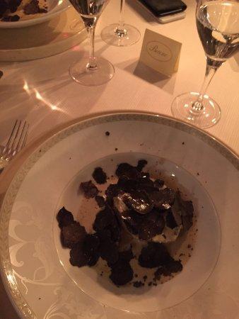 Chez Bruno: Pomme de terre à la crème de truffe et copeaux de truffes
