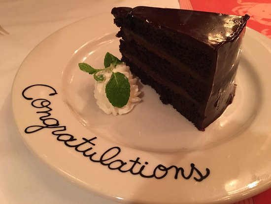 Shaw's Crab House: Chocolate cake for our anniversary
