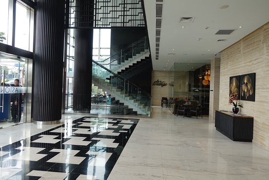 Aston Priority Simatupang Hotel & Conference Center: Hotel lobby