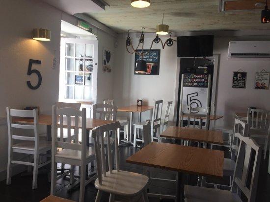 Caffe 5: Café 5 em plena labuta de bitates