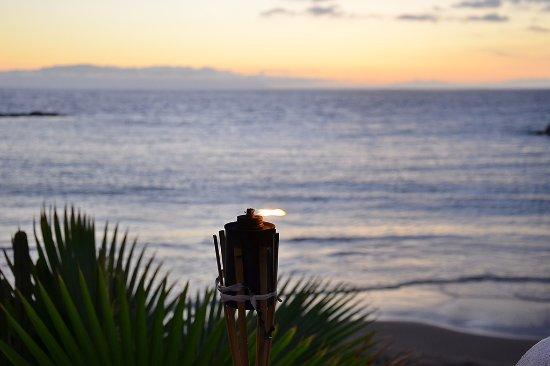 Monkey Beach Club: La Isla de la Gomera al fondo