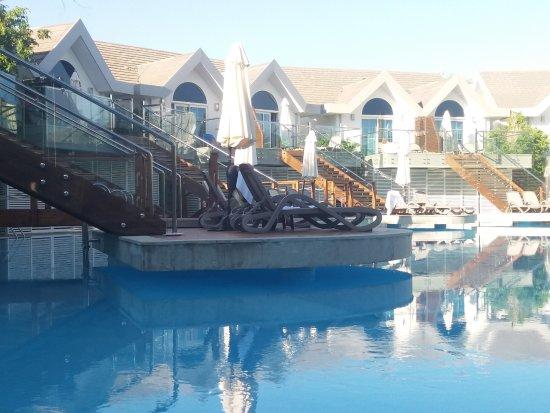 Long Beach Resort Hotel & Spa: виллы с отдельным бассейном