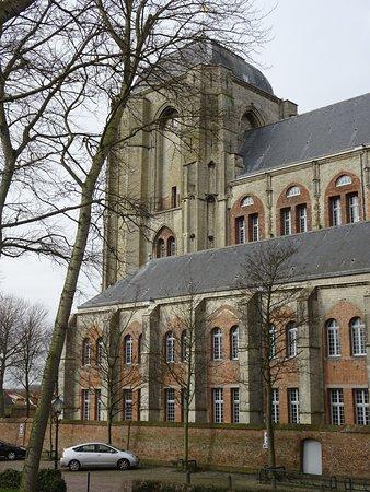 Grote Kerk: De kolossaal zware toren