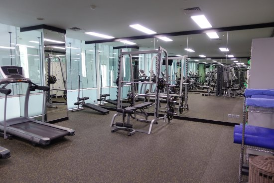 Aston Priority Simatupang Hotel & Conference Center: Gym workout area