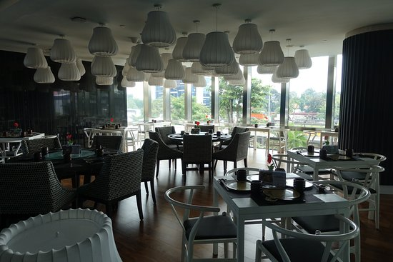Aston Priority Simatupang Hotel & Conference Center: Japanese restaurant interior view