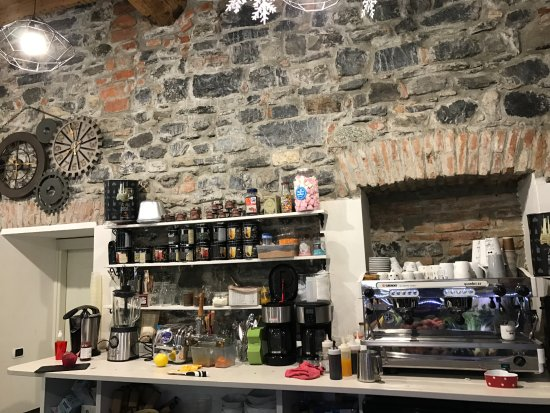 Instant Coffee, Como
