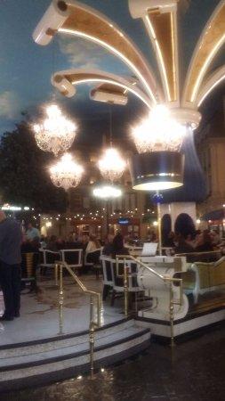 Paris Las Vegas: confiterias