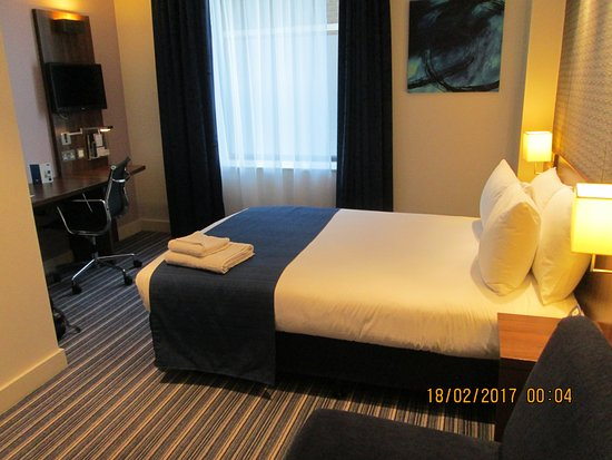 Holiday Inn Express Birmingham - Snow Hill: General room view