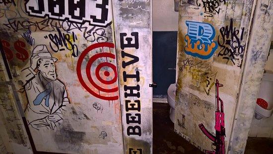 The Beehive: Funky bathroom