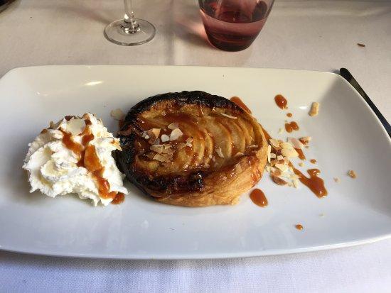 Figeac, França: tarte craquante aux pommes et beurre salée