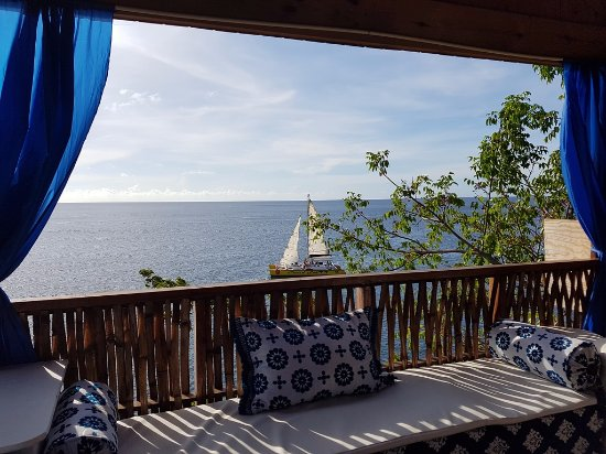 Saint John Parish, Grenada: Sit at the bar, watching the boats sail by.