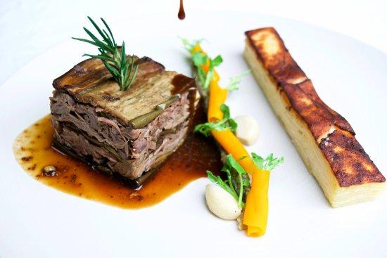 Bali Pearl Restaurant: Lamb shank mille feuille