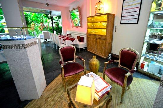 Bali Pearl Restaurant: Interior Pearl