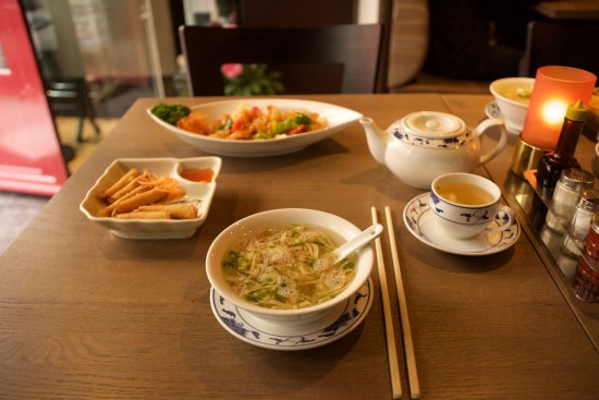 Dragon City: Starting with a Tea, Soup and our Shrimp Rolls