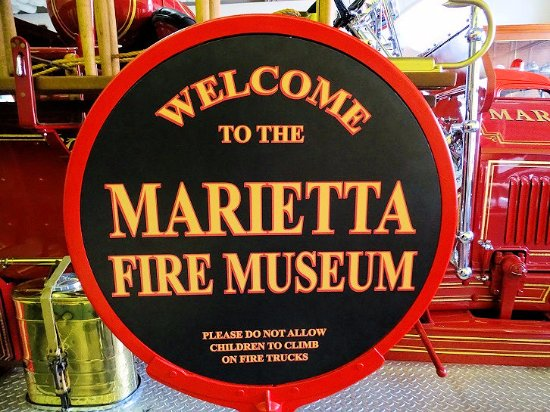 Marietta Fire Museum: sign on museum door