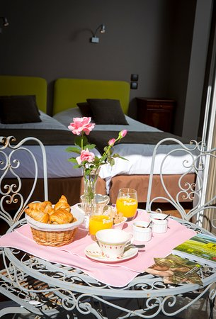 Auberge de la Terrasse Restaurant: chambre avec Terrasse