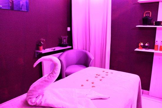 Huile de massage altearah bild von harmonie des sens port vendres tripadvisor - Salon de massage erotique bordeaux ...