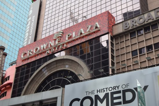 Crowne Plaza Times Square Manhattan: Main Entrance