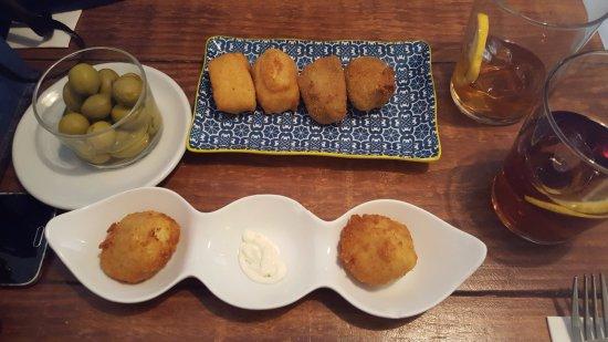 La Croquetta: croquettas tortilla / morcilla et morue