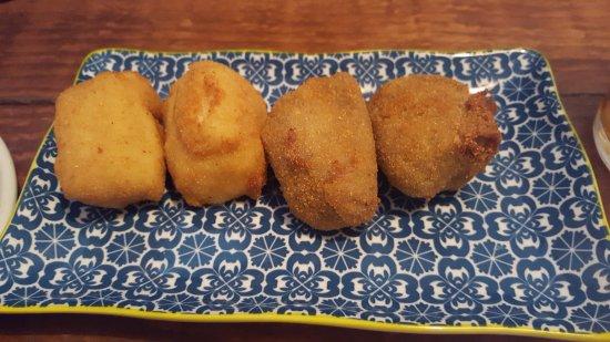 La Croquetta: tortilla et morcilla