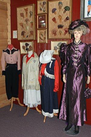 Cowgirls of the West Museum: Une belle collection de vêtements d'époque
