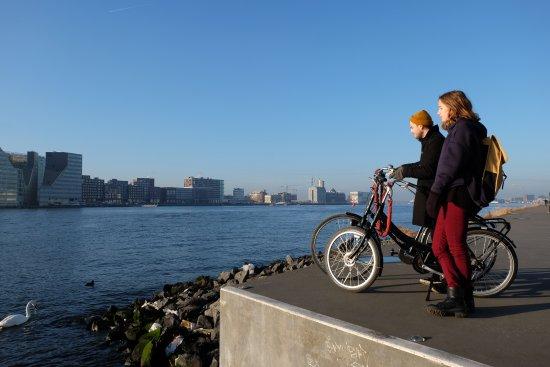 Amsterdam Black-Bikes: Eye filmuseum