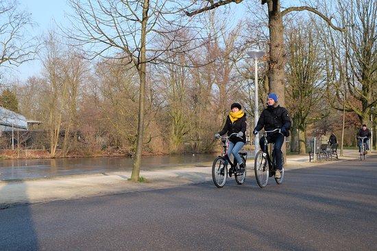 Amsterdam Black-Bikes: couple