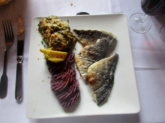 Le Domaine de Rombeau: Daurade grillée en filets