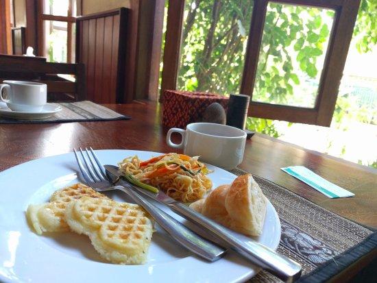 City River Hotel: Breakfast