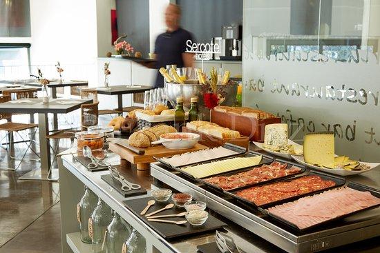 Sercotel Amister Art Hotel: Detalle Desayuno Buffet