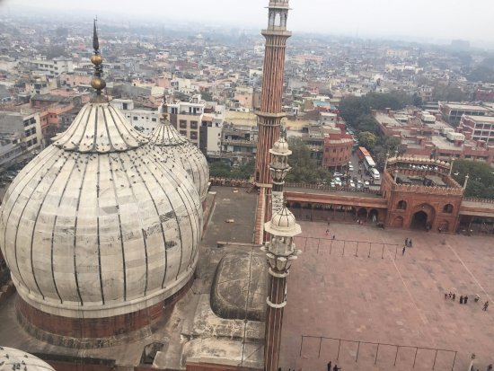 GointheCity: Taken from one of the minarets of Jama Masjid