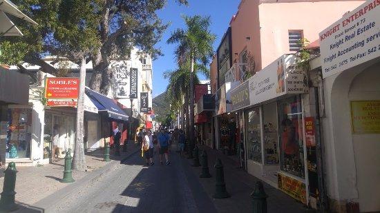 Frontstreet: calle principal front strett la calle de los relojes joyería y oro