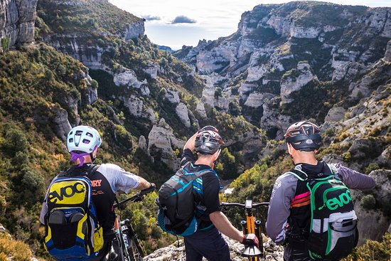 Inizia Bike Travel: Rutas guiadas de BTT, carretera y touring. MTB, Road cycling & Touring guided tours