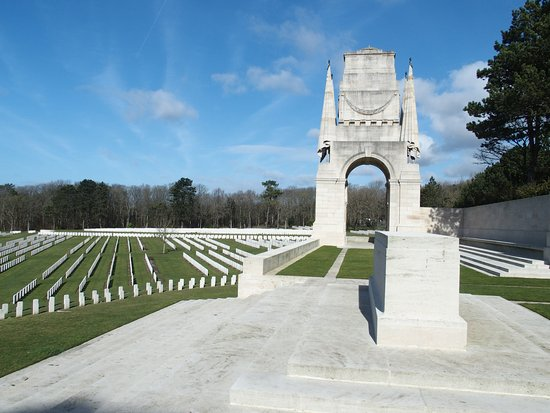Etaples Military Cemetery: The memorial at the cemetery