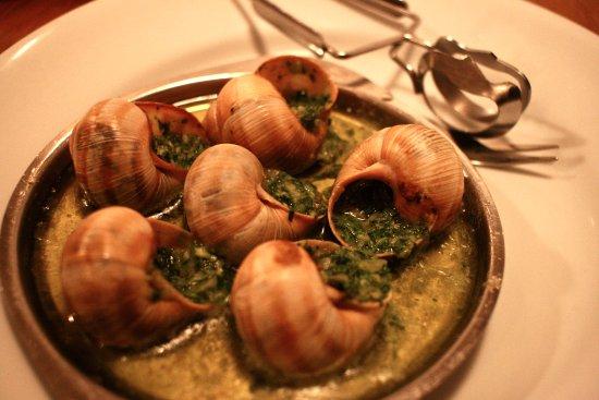Escargots de bourgogne beurre persill picture of les galopins paris tripadvisor - Cuisiner les escargots de bourgogne ...