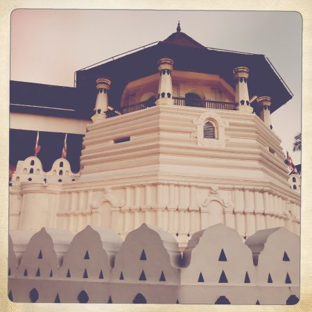 Temple of the Sacred Tooth Relic: Temple