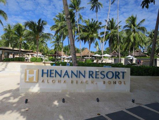 deluxe room picture of henann resort alona beach tawala. Black Bedroom Furniture Sets. Home Design Ideas