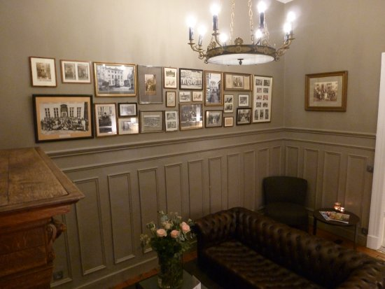 Hotel Navarra Brugge: Un, des deux salons