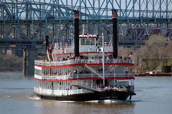 Bellevue, KY: Riverboats on the Ohio River