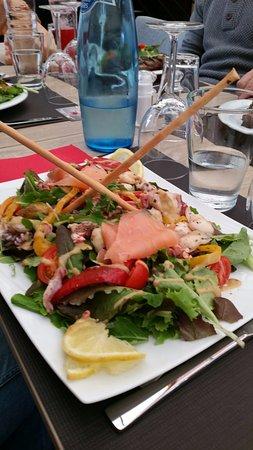 O'Resto Sports Club: Salade de la mer fraiche et gourmande